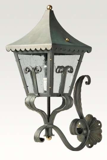 lampen shop otto zern geschmiedete wandauslegerlampe. Black Bedroom Furniture Sets. Home Design Ideas